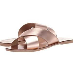 NWT! SEychelles Total Relaxation slides-rose